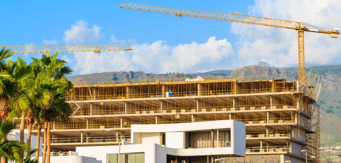 In Bau befindlicher Immobilienkomplex (Teneriffa)